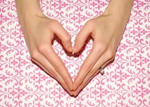 Single Heart Hand